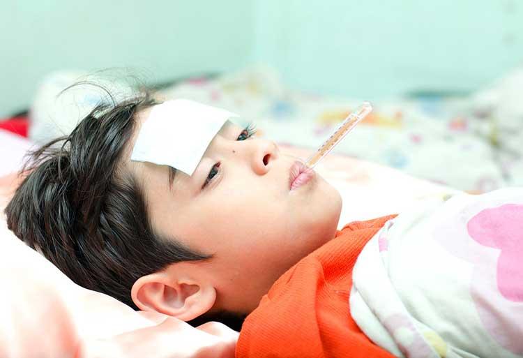 Chế độ ăn uống hiệu quả khi trẻ bị sốt giảm sốt nhanh