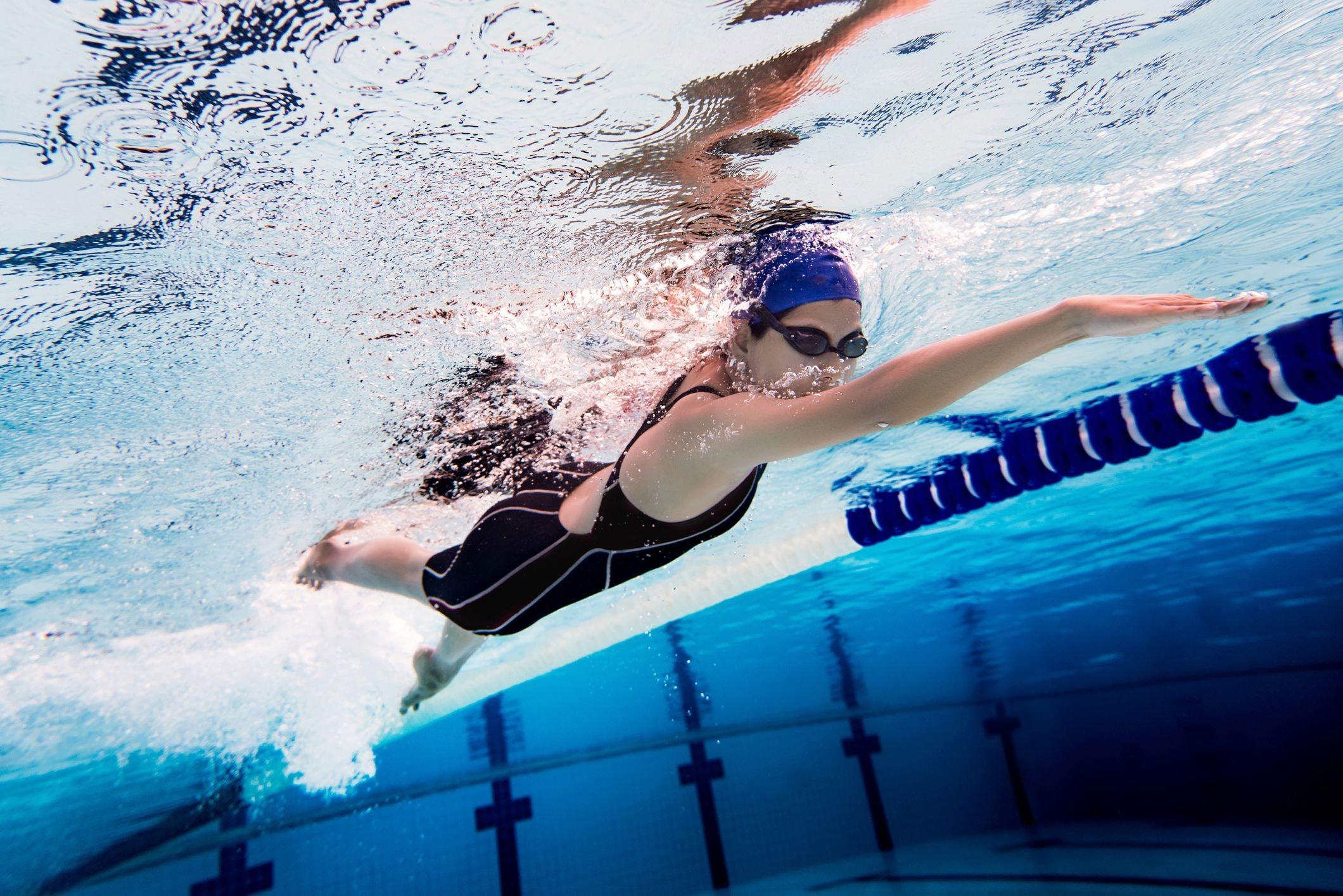 Tập luyện bơi lội là hình thức vận động cơ thể hoàn hảo nhất